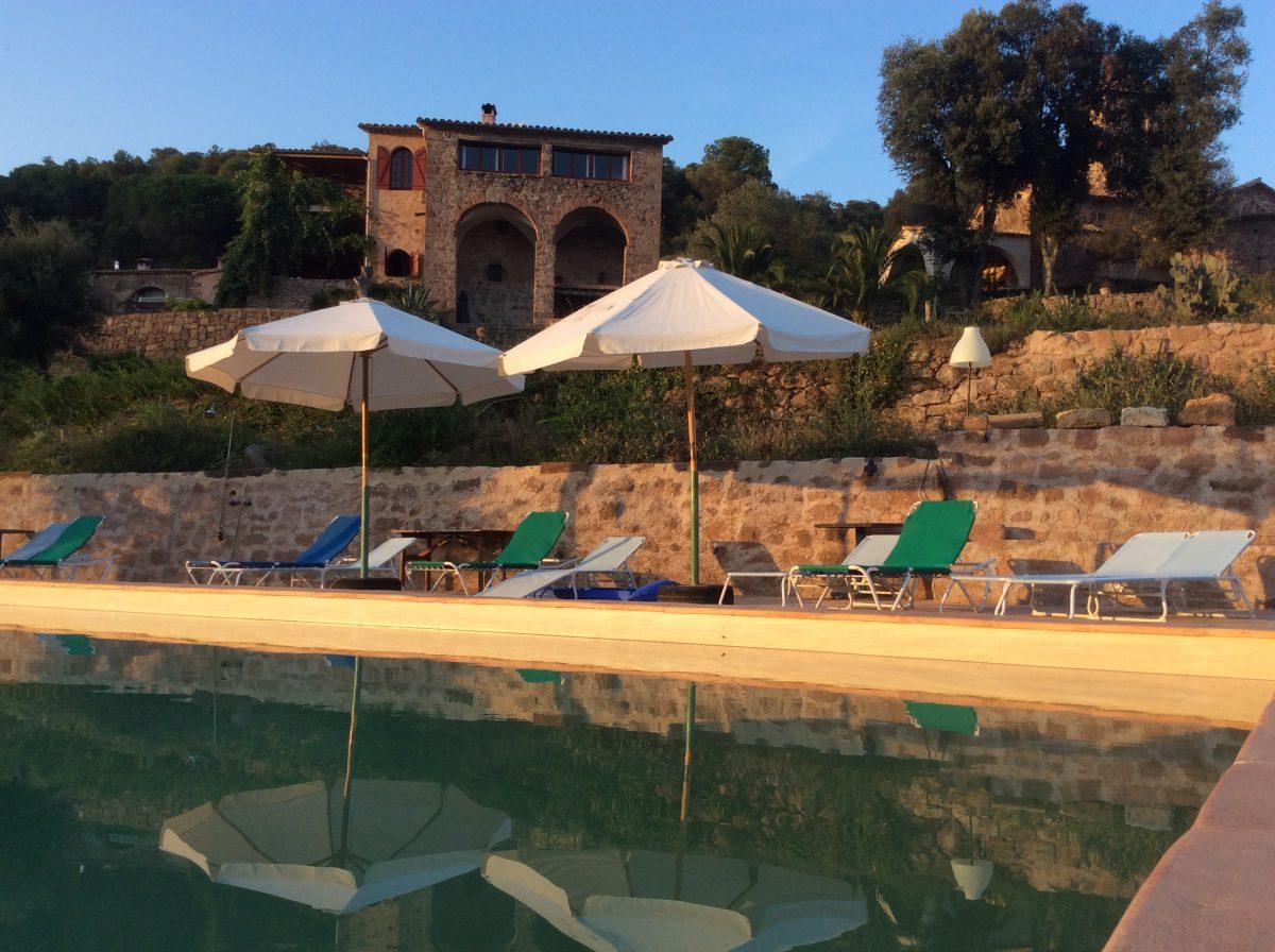 Aan het zwembad La Miana - Voluit Leven vanuit Essentie